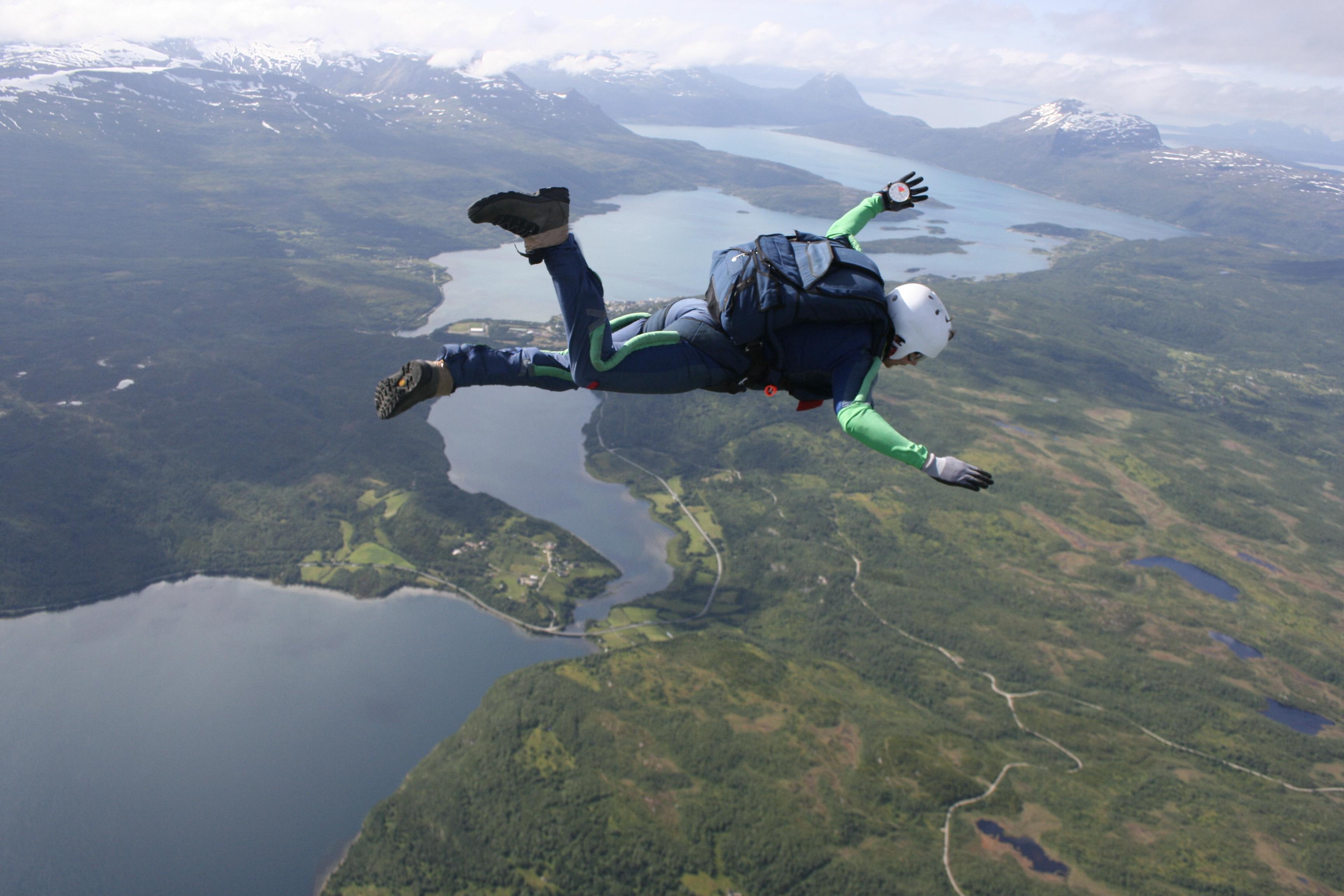 Vil du bli fallskjermhopper?
